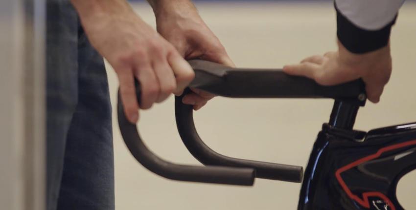 KOGA werkt samen met Fiberneering om een optimaal stuur te ontwikkelen en te printen voor de nieuwe KOGA baanfiets.