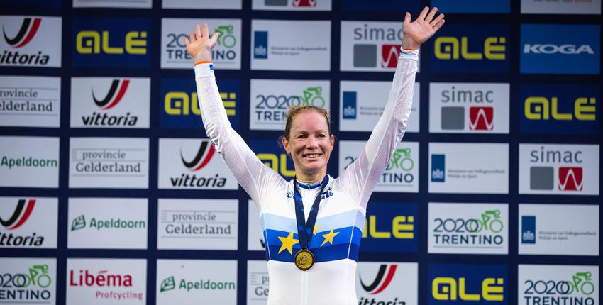 Kirsten Wild is een Nederlandse baanwielrenster en rijdt op haar KOGA baanfiets. Haar specialiteiten zijn de omnium, puntenkoers, scratch en koppelkoers. Lees meer op KOGA.com!